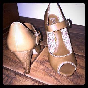 Decree brown peep toe Mary Jane size 7